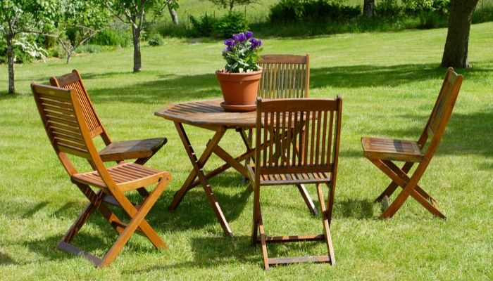 Wooden Garden Furniture UK | Reviews & Guide 2020